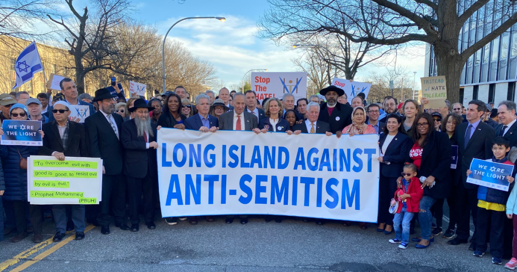 Long Islanders Show Solidarity in the Wake of Anti-Semitic Attacks